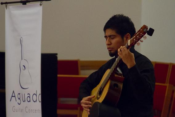 Iván Resendiz for Aguado Guitar Concerts